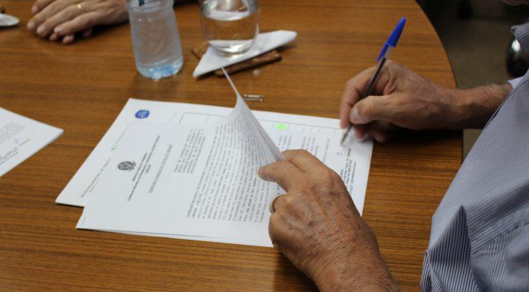 Prefeituras de Rosário Oeste e Ipiranga doNorte assinam Termo de Cooperação Técnica com o Crea-MT